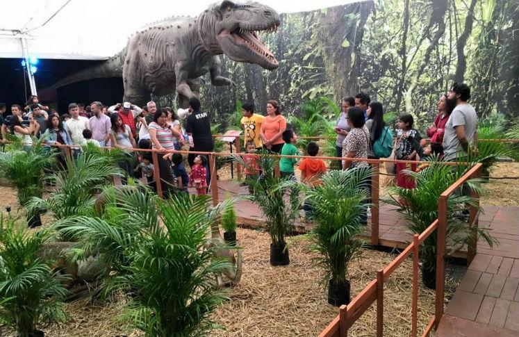 Dinosaurios animatronisc en el Estado de México