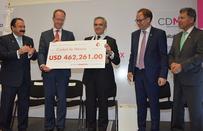 Realizan donación al GDF en la lucha contra la diabetes