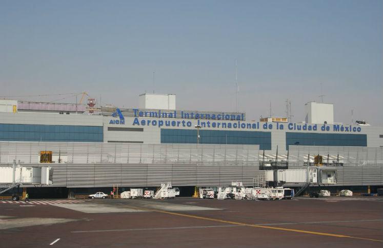 Transporte especial para la AICM por visita papal