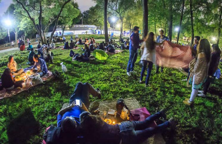 Picnic nocturno en el Bosque de Chapultepec