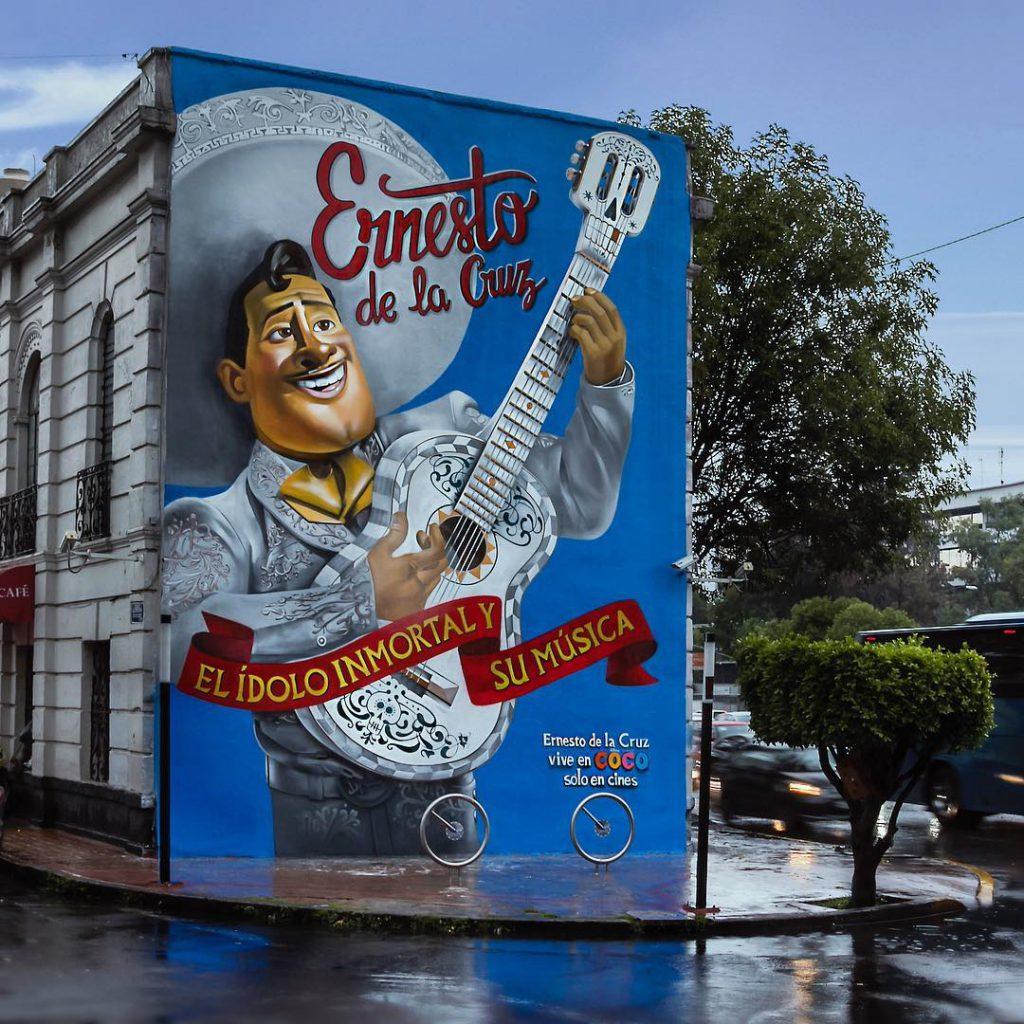 Ernesto de la Cruz, murales coco